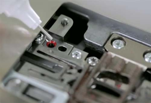 How-to-Clean-and-Oil-Your-Sewing-Machine